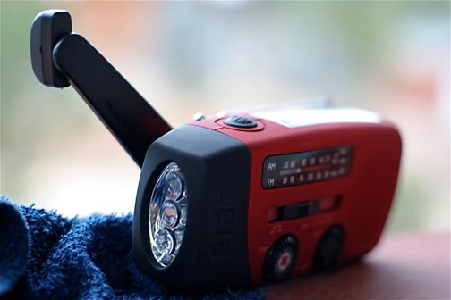 1.Hand crank weather radios and their advantages