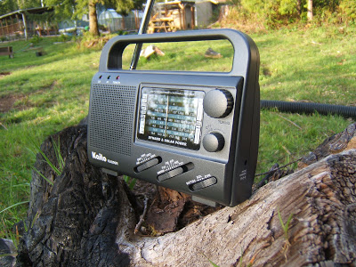 2.Hand crank weather radios and their advantages